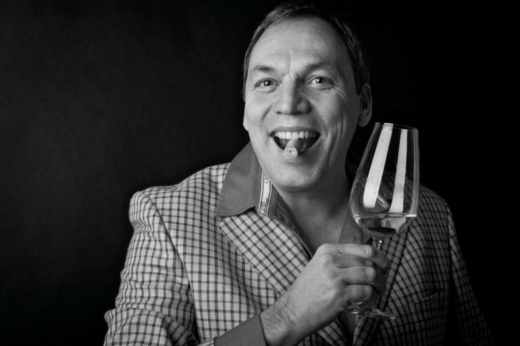 Weinmundwerker und Moderator Thomas Vatheuer bei LIVZEIT